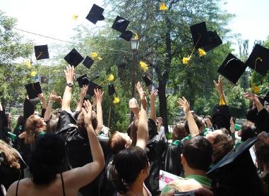 Doctoratul, sport național pentru polticieni și infractori