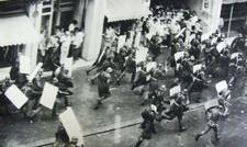 Sute de siderurgiști de la Sidex, trimişi sa-l apere pe Iliescu