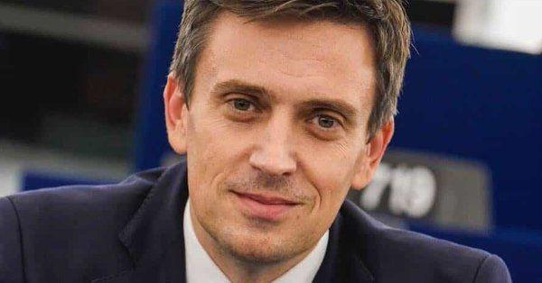 Un candidat la prezidențiale face dezvăluiri incendiare . Cine face jocurile pentru comisar european al României